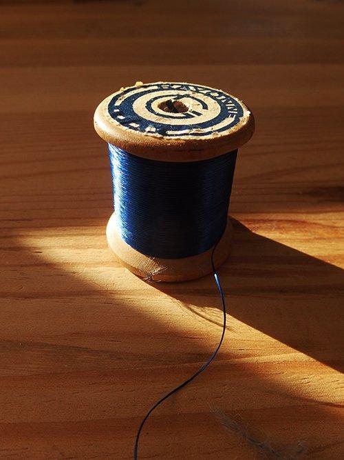 Juste un fil de soie…bleue